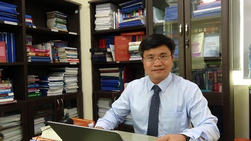 Bí thư Chi bộ, Viện trưởng Nguyễn Văn Cương.