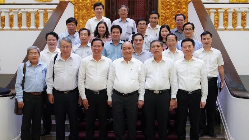 Thủ tướng chia sẻ với Bến Tre khi lần đầu tăng trưởng âm