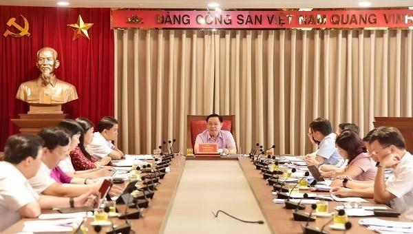 Bí thư Thành ủy Vương Đình Huệ chủ trì phiên họp.