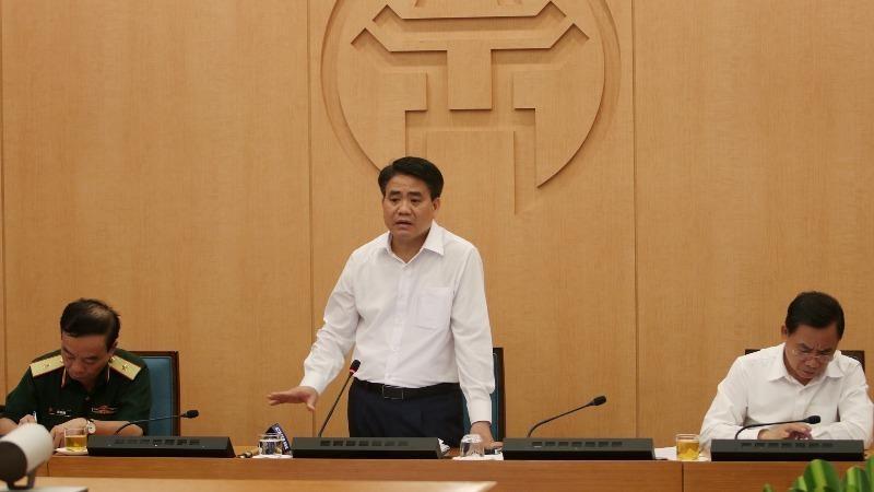 Chủ tịch UBND thành phố Nguyễn Đức Chung kết luận phiên họp chiều 31/7.