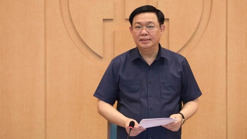 Bí thư Thành ủy Vương Đình Huệ phát biểu chỉ đạo cuộc họp ngày 6/8.