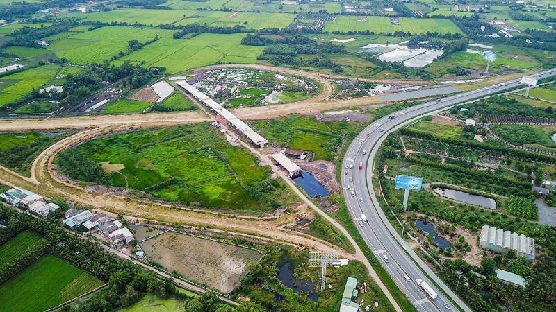 Yêu cầu hoàn thành cao tốc Trung Lương - Mỹ Thuận trong năm 2021.