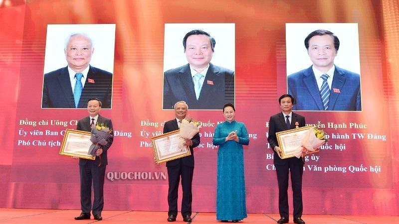 2 Phó Chủ tịch Quốc hội đón nhận Huân chương Lao động hạng Nhất