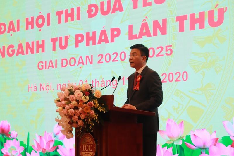 Bộ trưởng Bộ Tư pháp Lê Thành Long phát biểu chào mừng Đại hội.