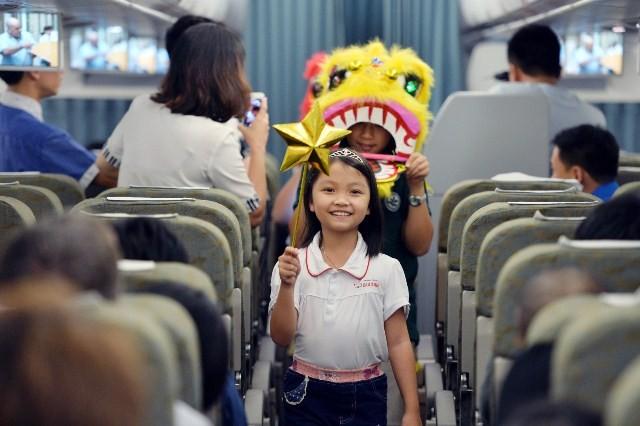 Mùa trăng năm nay, Vietnam Airline lại mang đến cho bạn Hành trình yêu thương