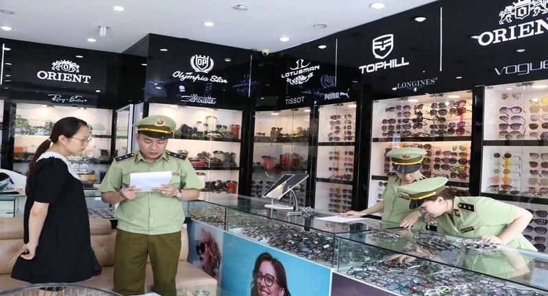 Thái Nguyên: Thu giữ gần 300 sản phẩm có dấu hiệu giả mạo thương hiệu nổi tiếng
