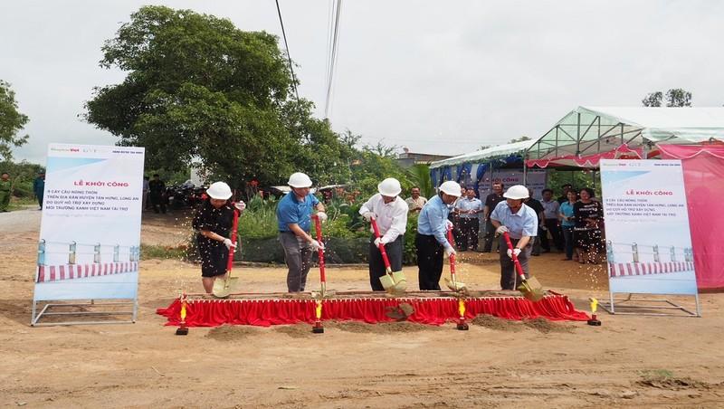 Lễ khởi công xây dựng 9 cây cầu dân sinh