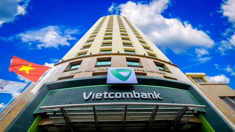 """Lần đầu tiên Vietcombank """"lên đỉnh"""" vốn hóa thị trường"""