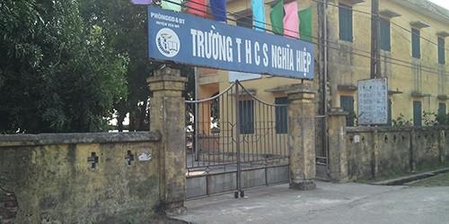 Hưng Yên: Một học sinh nhập viện tâm thần vì cô giáo vô cảm