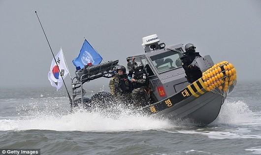 Tuần duyên Hàn Quốc bắn 700 viên đạn về phía tàu Trung Quốc