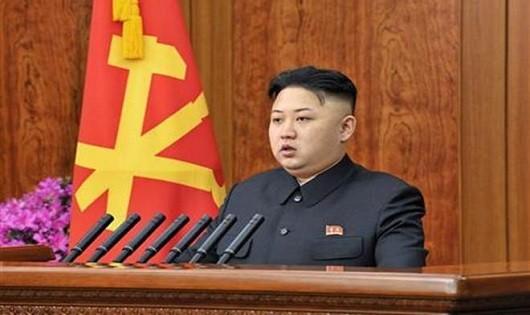 Nhà lãnh đạo Triều Tiên hoãn quyết định phóng tên lửa tới Guam