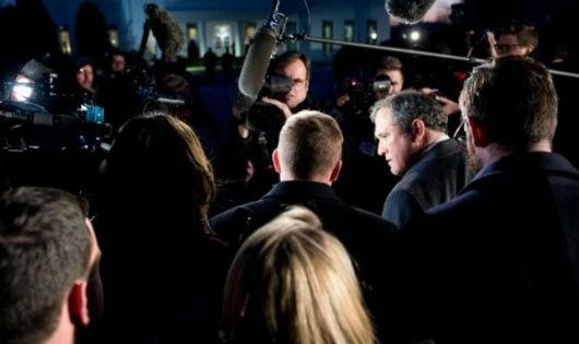 Giám đốc ngân sách Nhà Trắng Mick Mulvaney phát biểu với báo giới.