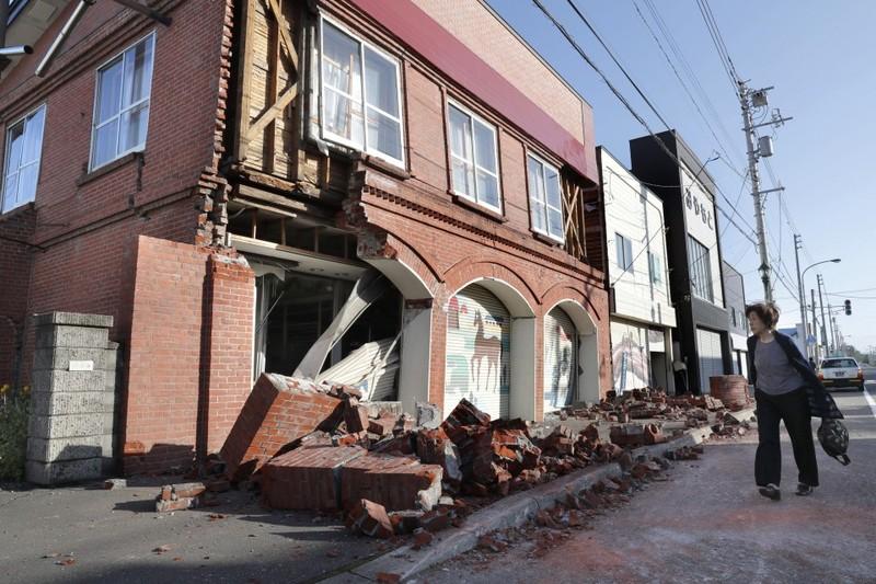 Bão qua, Nhật lại hứng chịu động đất ở Hokkaido, ít nhất 1 người thiệt mạng