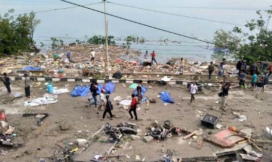 Động đất - sóng thần gây tan hoang ở Indonesia