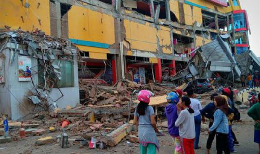 Số người thiệt mạng do động đất, sóng thần ở Indonesia tăng lên 384