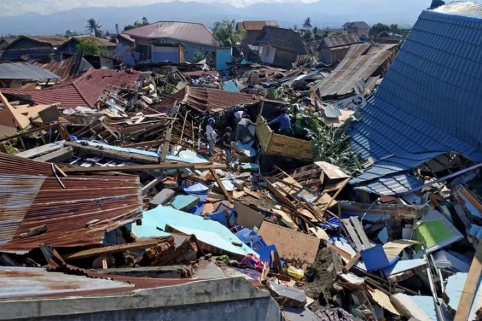 Động đất ở Indonesia gây thiệt hại nặng nề.