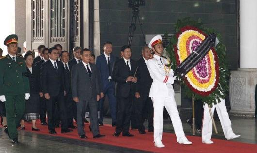 Nhiều đoàn đại biểu cấp cao nước ngoài tới viếng nguyên Tổng Bí thư Đỗ Mười