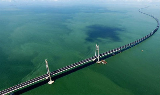 Cây cầu vừa được khánh thành.