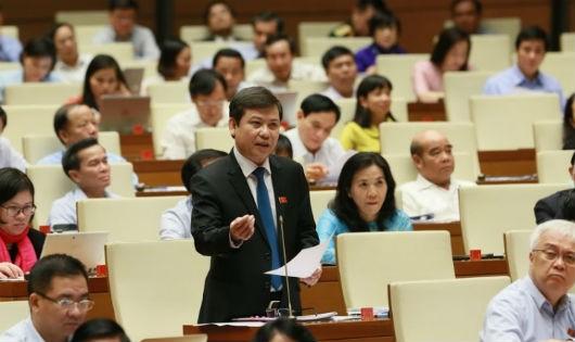 Viện trưởng Viện kiểm sát nhân dân tối cao Lê Minh Trí trả lời chất vấn.