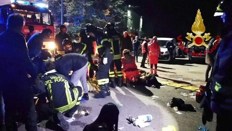 Cảnh sát Italia tại hiện trường vụ việc.