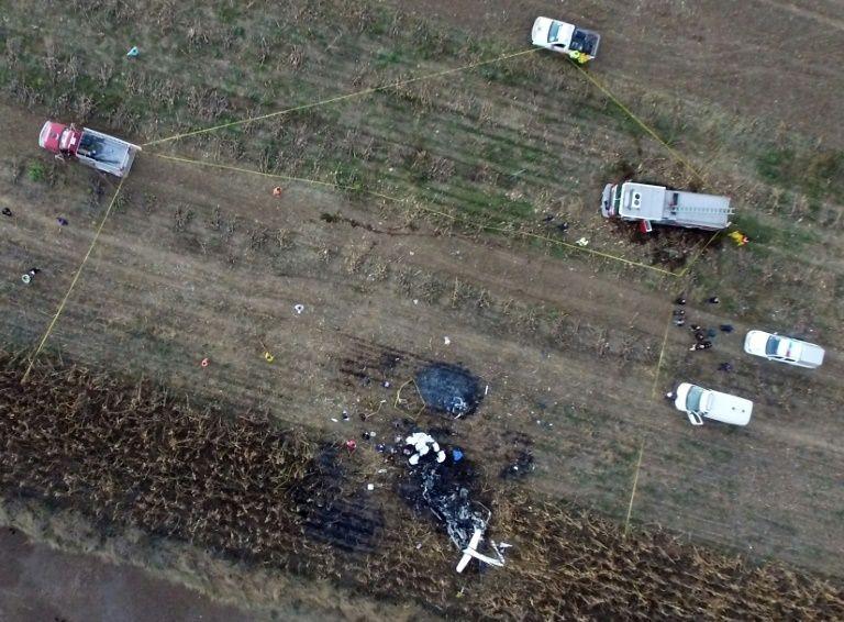 Hiện trường vụ rơi máy bay.