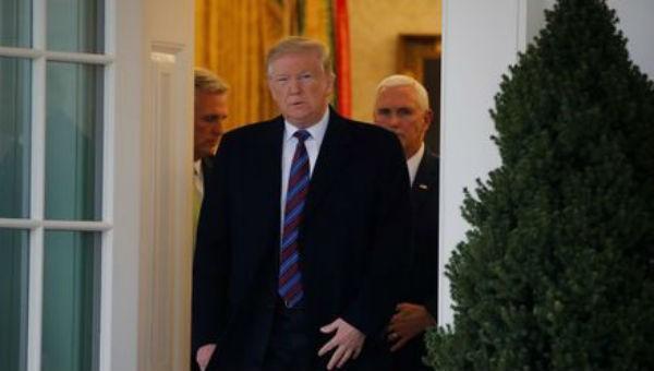 Ông Trump dọa đóng cửa Chính phủ Mỹ 'nhiều năm'