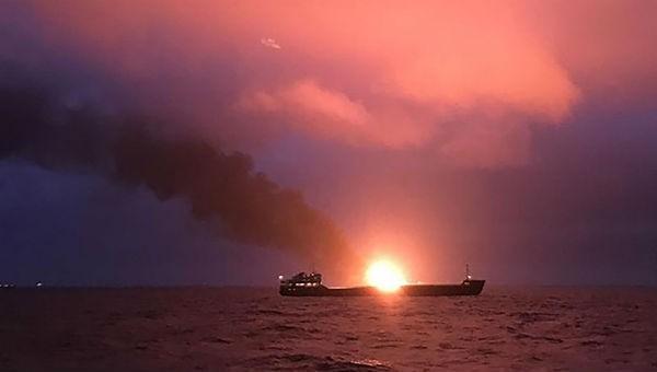 Cháy 2 tàu gần Eo biển Kerch, ít nhất 14 người thiệt mạng