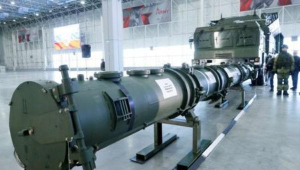 Các phần của tên lửa 9M729 được trưng bày trong cuộc họp báo ở Trung tâm triển lãm Patriot Expocentre gần Moscow, Nga ngày 23/1.