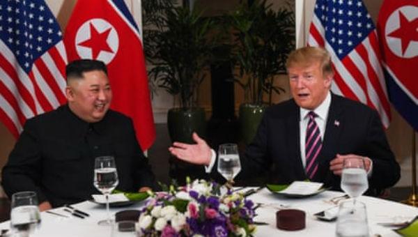 Ông Trump và ông Kim tỏ vẻ rất thoải mái với nhau.
