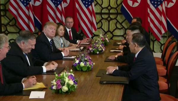 Đàm phán căng thẳng, Mỹ - Triều hủy ăn trưa làm việc và lễ ký thỏa thuận
