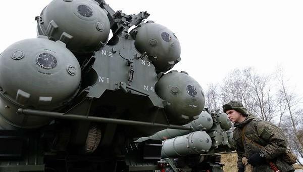 """Nga đưa tên lửa ưu việt S-400 """"Triumph"""" tới Hạm đội Baltic"""