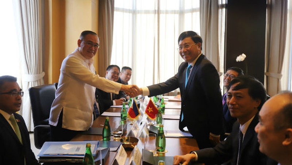 Việt Nam – Philippines chia sẻ quan ngại về những diễn biến gần đây ở Biển Đông