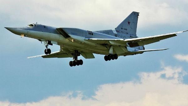 Nga điều máy bay ném bom mang tên lửa Tu-22M3 tới Crimea đáp trả Mỹ