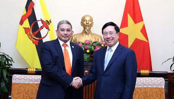 Việt Nam – Brunei ủng hộ giải quyết tranh chấp trên Biển Đông thông qua biện pháp hòa bình