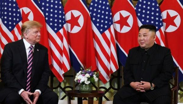 Ông Trump và ông Kim tại hội nghị thượng đỉnh ở Việt Nam