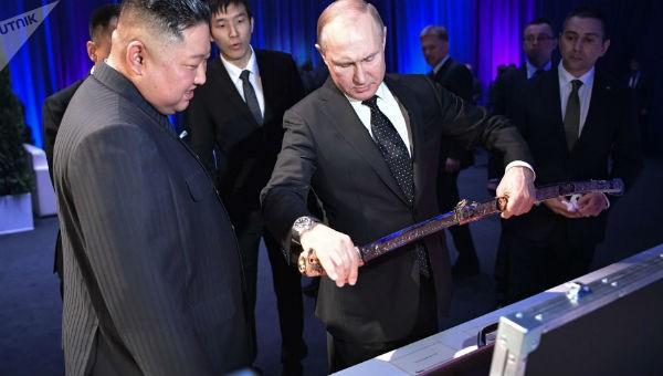 Hé lộ quà đặc biệt mà Tổng thống Nga Putin và lãnh đạo Triều Tiên tặng nhau