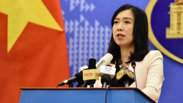 Người Phát Ngôn Bộ Ngoại giao Lê Thị Thu Hằng phát biểu tại họp báo