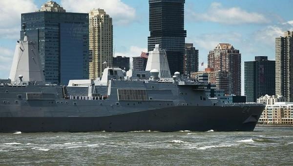 Tàu đổ bộ USS Arlington của Mỹ.