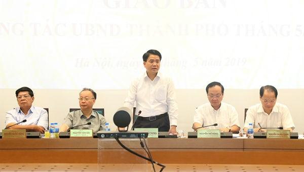 Chủ tịch UBND TP Hà Nội Nguyễn Đức Chung chủ trì phiên họp.