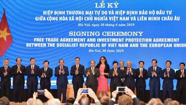 Việt Nam – EU ký 2 Hiệp định EVFTA và IPA: Mở ra chân trời hợp tác mới