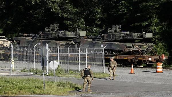 Xe tăng Abrams của Mỹ tại Washington hôm 1/7.