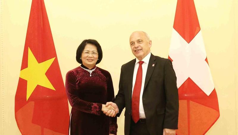 Phó Chủ tịch nước Đặng Thị Ngọc Thịnh và Tổng thống Thụy Sỹ Ueli Maurer.