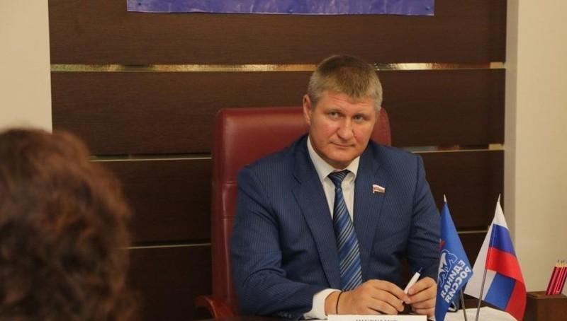 Nghị sĩ Duma Quốc gia Nga Mikhail Sheremet.
