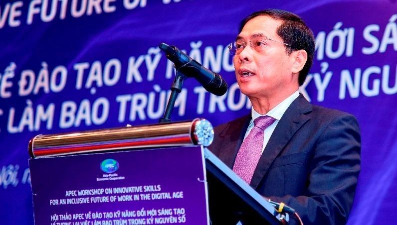 Thứ trưởng thường trực Bộ Ngoại giao Bùi Thanh Sơn phát biểu tại Hội thảo. Ảnh: TG&VN