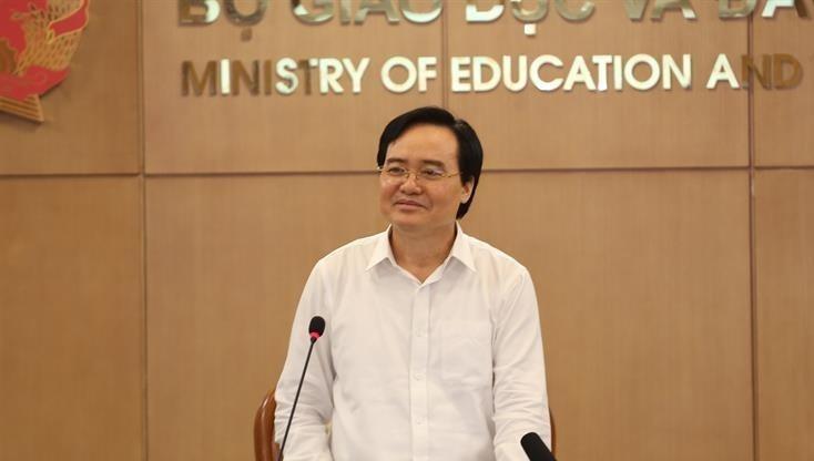 Bộ trưởng Bộ GD&ĐT Phùng Xuân Nhạ phát biểu tại tọa đàm.