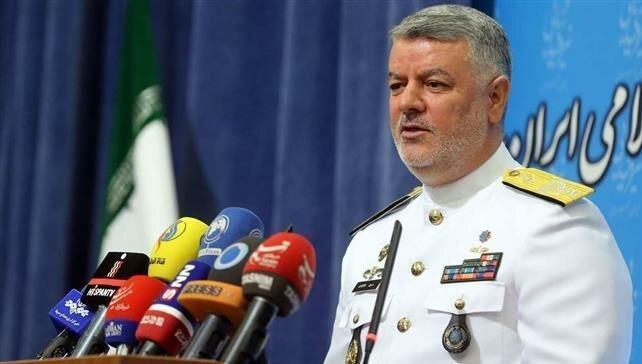 Tư lệnh Hải quân Iran Hossein Khanzadi.