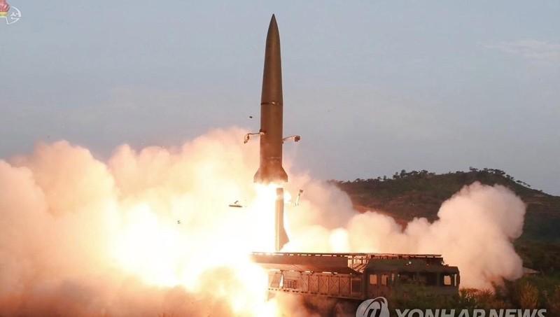Triều Tiên lại phóng 2 tên lửa đạn đạo ra biển