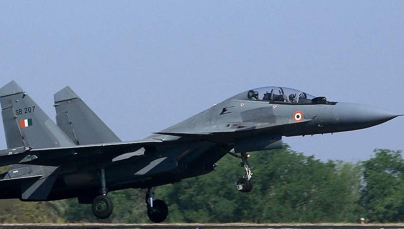 Ấn Độ mua 1.000 tên lửa máy bay của Nga