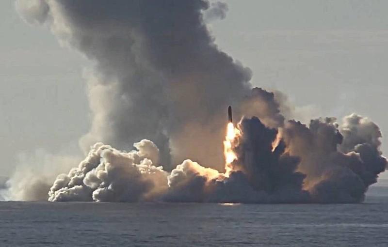 Hình ảnh vụ phóng tên lửa do Bộ Quốc phòng Nga công bố.