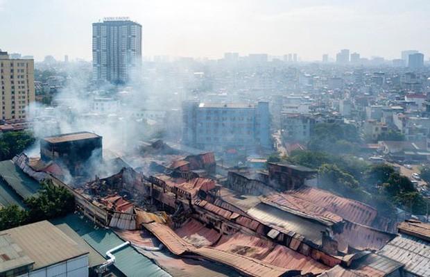 Vụ cháy tại Công ty Cổ phần Bóng đèn Phích nước Rạng Đông. Ảnh: VGP